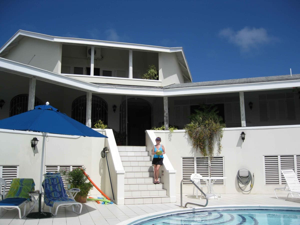 Bahamas screened porch