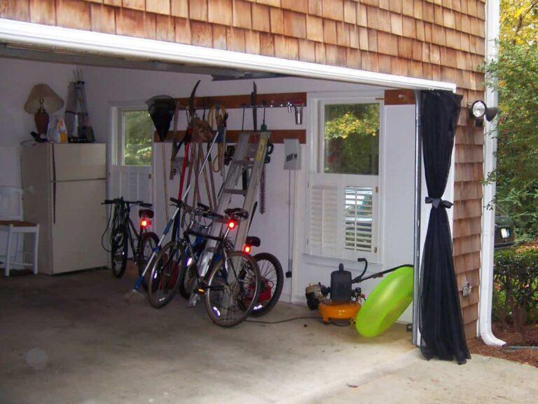 Garage door insect screen curtains