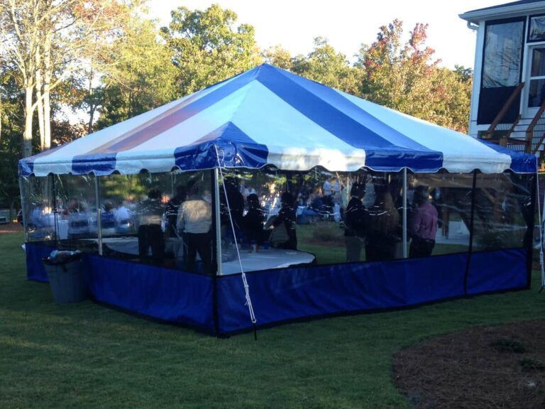 Plastic awning enclosure with blue apron